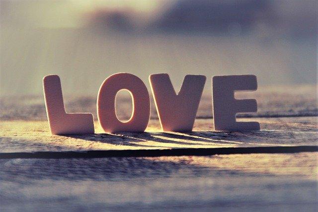 LOVEのモチーフ画像